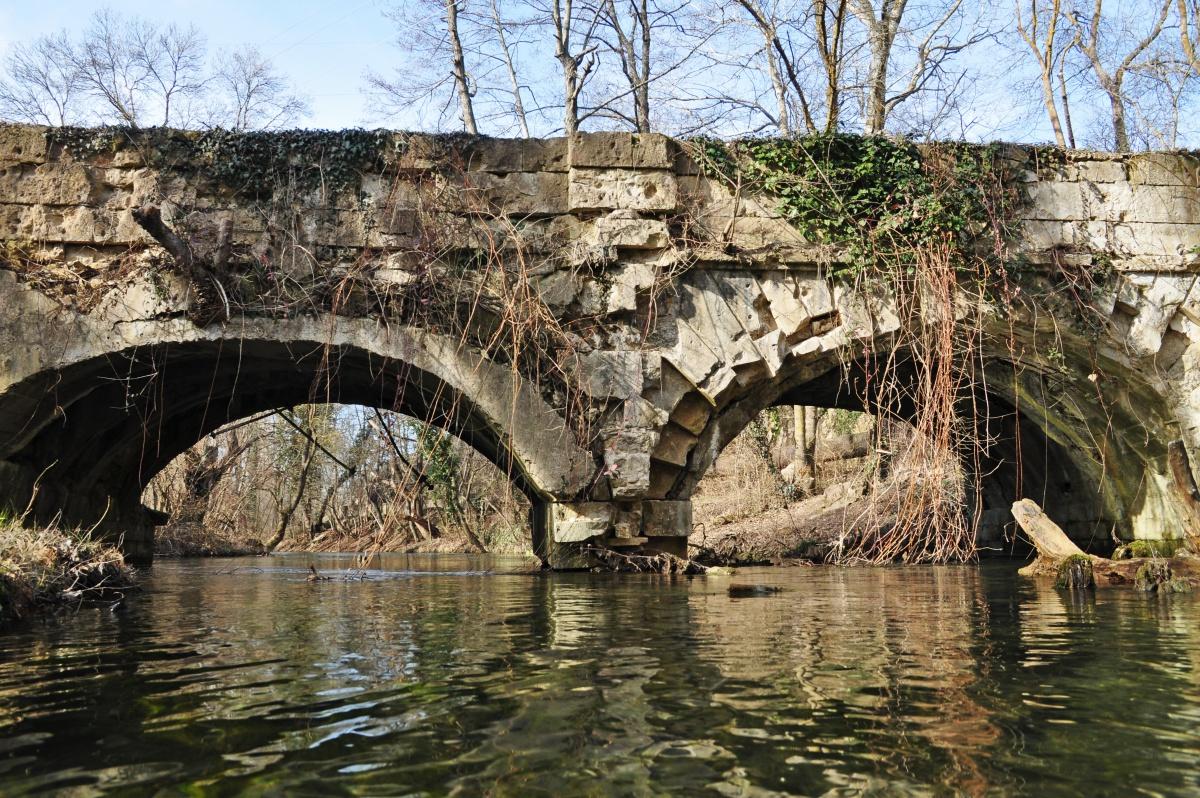 Мост с домами фото